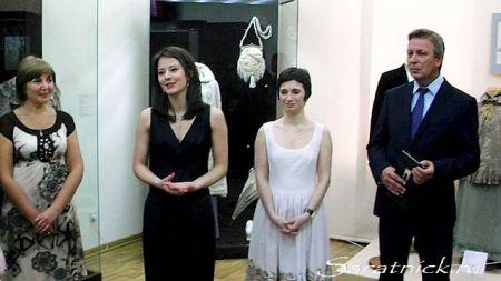 Юлия Костригина на открытии выставки в Саратове